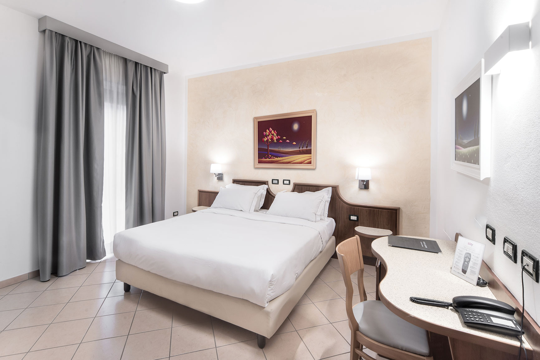 hotel guerro camera business